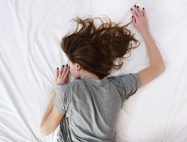 10 признаков нездорового сна